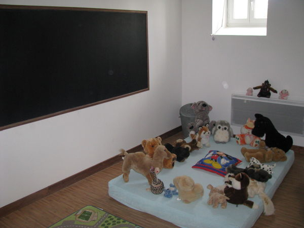 espace ludique tableau noir pour laisser s 39 exprimer les petits moulin piongo. Black Bedroom Furniture Sets. Home Design Ideas