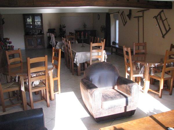 la salle à manger (Moulin Piongo gite campagne)