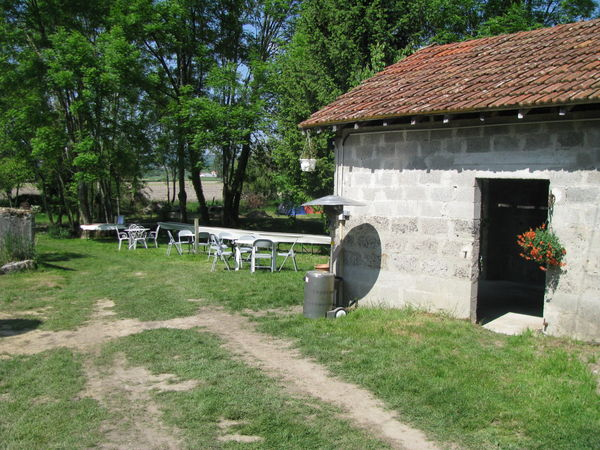 restauration mur du petit hangar (gite de groupe)