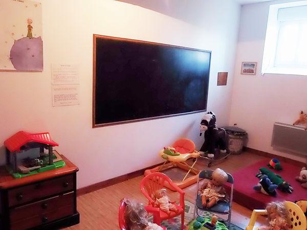 salle de jeux des enfants (gîte de groupe)