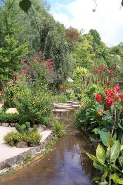 le jardin des fontaines pétrifiantes (à 55km)