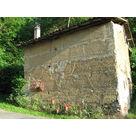 la petite dépendance, murs en pisé de la région