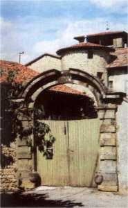 Musée, chateau et église de Revel Tourdan (à 18km)